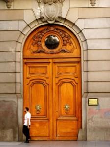 puerta-Legislatura-porteña