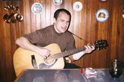 Lucas-Rebolini-guitarra