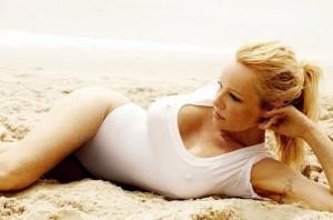 Pamela-Anderson-Vogue-02