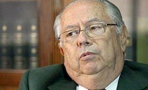 Carlos-Corach