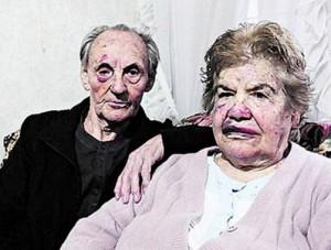 ancianos-golpeados