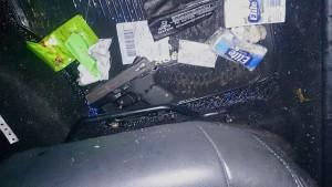 pistola-calibre-40-banda-detenida