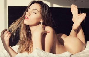 Aida-Martínez-desnuda-11